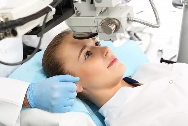 Операция при катаракте с использованием фемтолазера