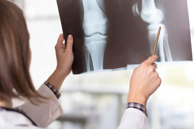 Лечение коленного сустава в Германии: трансплантация аутогенного хряща